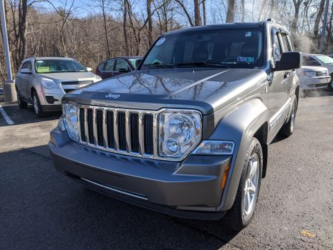 Pre-Owned 2012 Jeep Liberty Limited 4WD Sport Utility