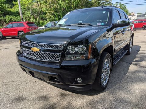 Pre-Owned 2013 Chevrolet Black Diamond Avalanche LTZ 4WD Crew Cab Pickup