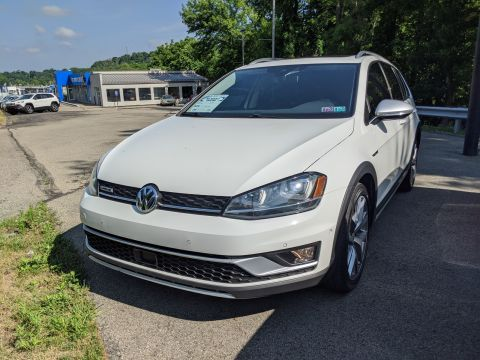 Pre-Owned 2017 Volkswagen Golf Alltrack SEL AWD Station Wagon
