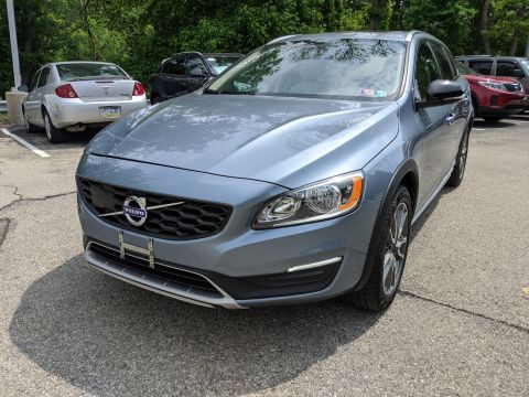Pre-Owned 2017 Volvo V60 Cross Country AWD Station Wagon